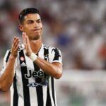 Juventus suy sụp khi thiếu Ronaldo, bị fan MU trêu chọc vì phải đua trụ hạng